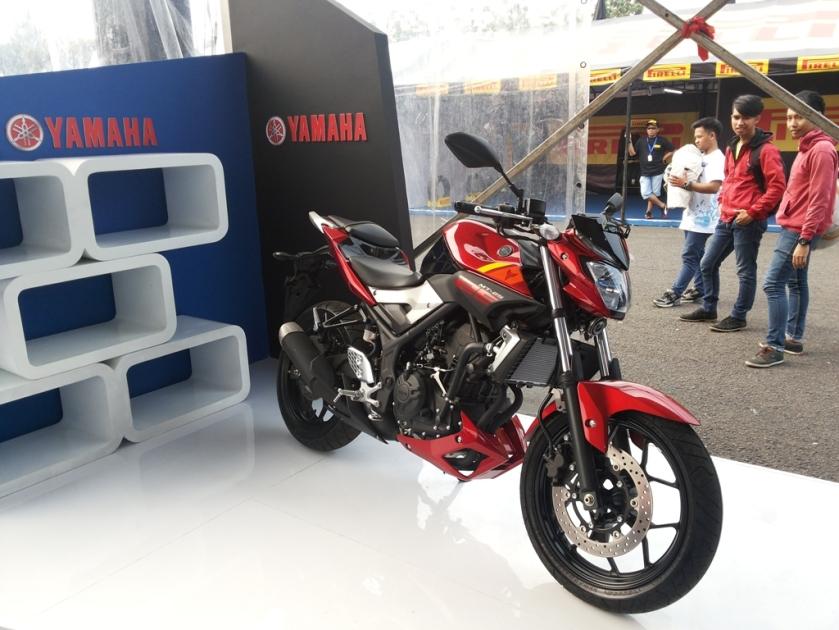 MT-25 di booth Yamaha Sunday Race