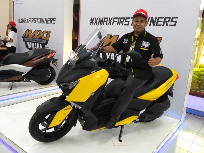 Wayan Teja dengan XMAX saat kegiatan kunjungan pabrik #XMAXFIRSTOWNERS